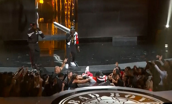 Puff Daddy Falls on Stage at the BET Awards